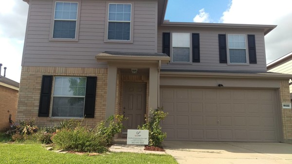Before & After Exterior Painting in Sugar Land, TX (9)