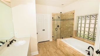 Before & After Bathroom Remodeling in Katy, TX (4)
