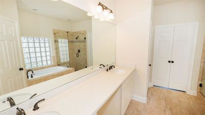 Before & After Bathroom Remodeling in Katy, TX (6)